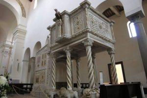 Ravello_Duomo_inside_pulpit