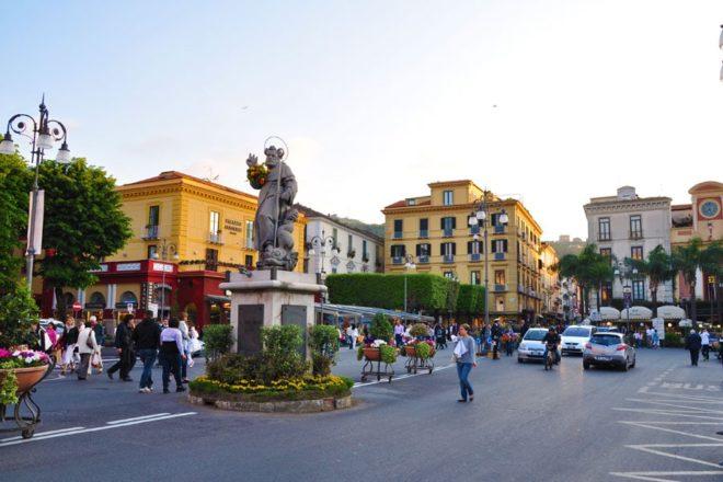 Sorrento-piazza
